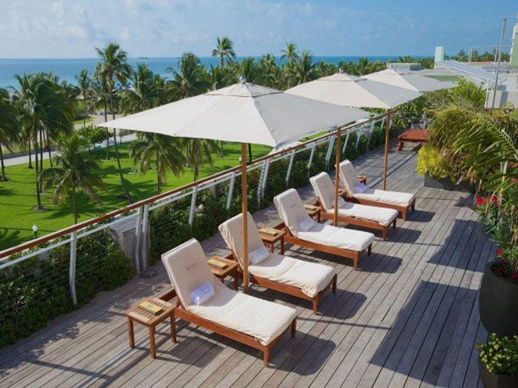 Dù Đứng Tâm 1 Tầng Che Nắng Ngoài Trời Resort Giá Rẻ Đa Dạng Mẫu Đẹp
